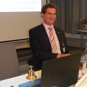 Gewählter Versammlungsleiter: Alexander Schulten