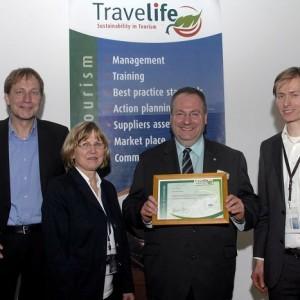Auszeichnung Travellife Koordinator Thomas Dippe (Thomas Cook Reisebüro)
