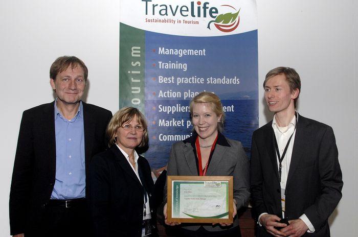 Auszeichnung Travellife Koordinator Nina Bäker (TCME)