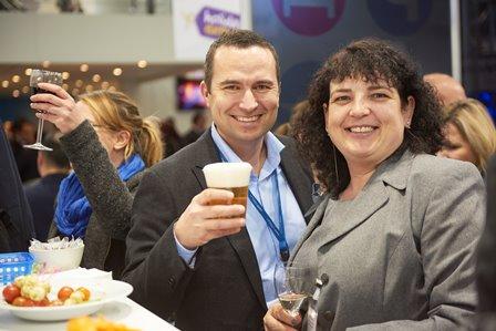 Solamento-Chef Sascha Nitsche mit Schatzmeisterin Anke Budde