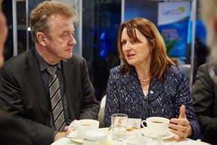 Heike Brehmer (CDU) mit Jochen Szech zu Themen des Mittelstand-Tourismus